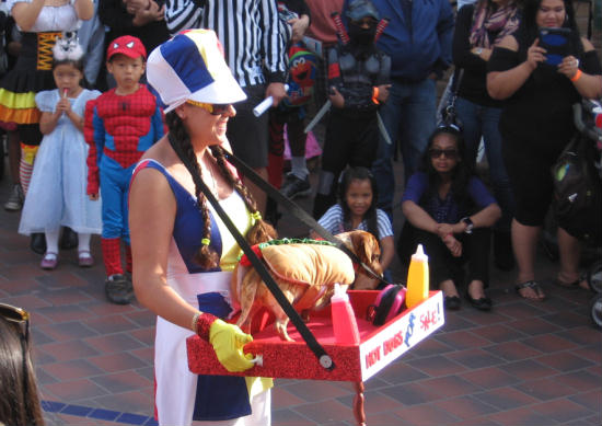 living hot dog served to freaks